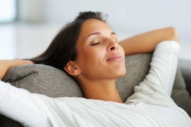Donna-rilassata